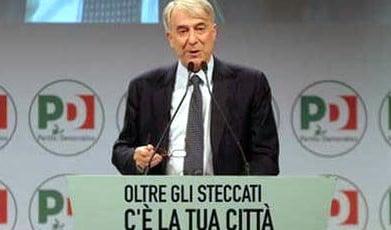 Il sindaco di Milano, Pisapia (Pd)