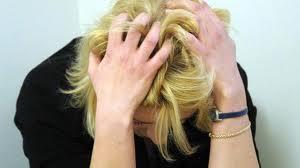 Due suicidi: precaria si lancia nel vuoto, disoccupata si impicca | Imola Oggi