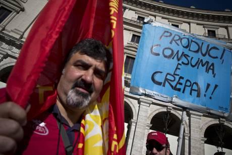 FIOM: A ROMA SCATTATE DEVIAZIONI BUS PER CORTEO