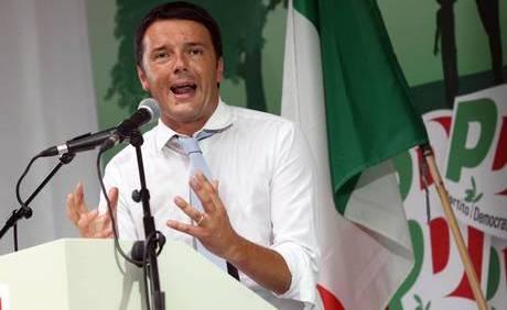 Il sindaco di Firenze, Matteo Renzi, partecipa alla festa del Partito Democratico di Bosco Albergati a Castelfranco Emilia (Modena), 07 agosto 2013. ANSA/ELISABETTA BARACCHI
