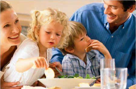 famiglia-tavola