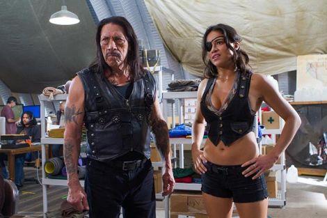 """Danny Trejo e Michelle Rodriguez in una scena del film """"Machete Kills"""""""