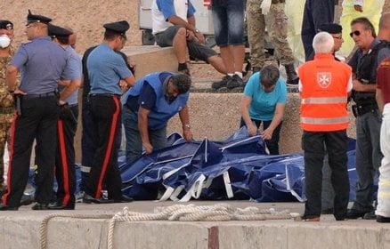 ++ Naufragio: recuperati altri 10 cadaveri, sono 103 ++