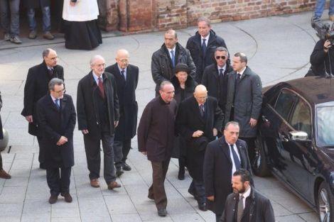 Il Presidente della Repubblica Giorgio Napolitano all'uscita dalla camera ardente.
