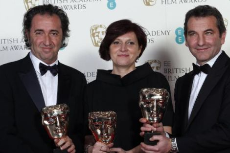 """Paolo Sorrentino, Francesca Cima e Nicola Giuliano con il Bafta per """"La grande bellezza"""""""