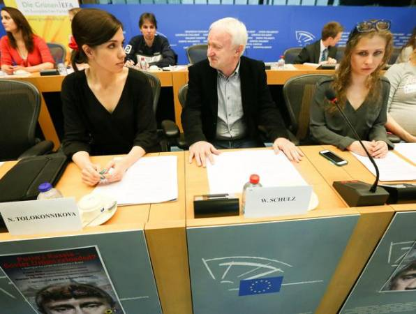 Pussy-Riot-al-Parlamento-europeo