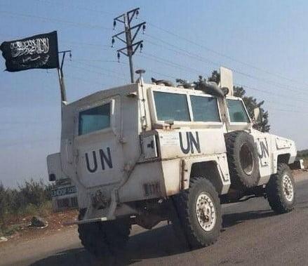 jihadisti Isis su veicoli dell'ONU