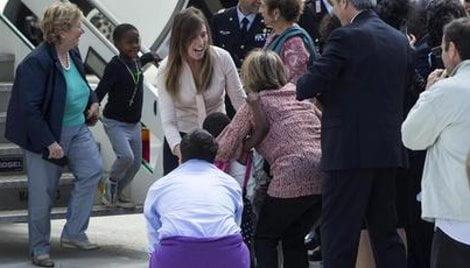 Ciampino, arrivo in Italia dei bambini congolesi adottati da famiglie italiane