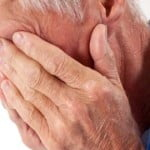 anziano-piange