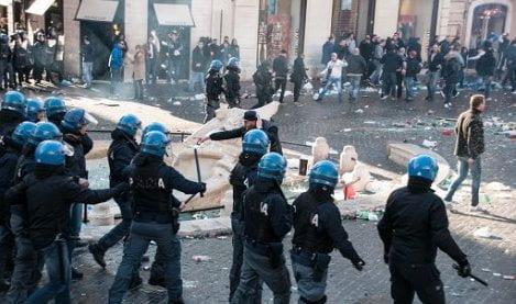 polizia-tifosi-olandesi