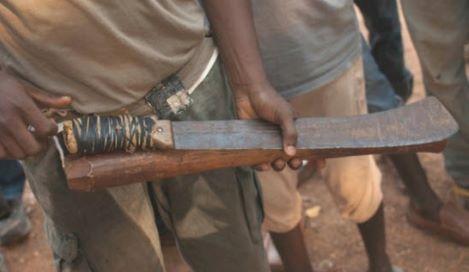 CONGO-MACHETE