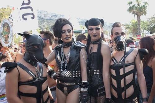 """Ecco un'immagine del gay pride di due anni fa. Dai """"Ragazzi del '99"""" ai ragazzi del 2000, la """"Meglio gioventù"""""""