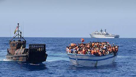 Immigrazione: Skynews,in migliaia alla deriva in Libia