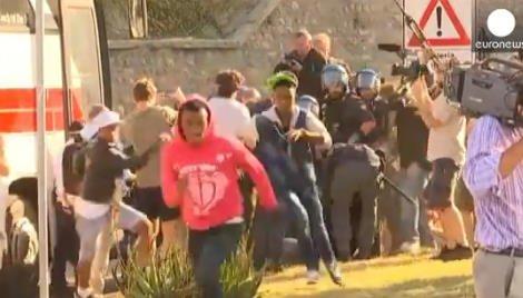 Clandestini in fuga dalla polizia