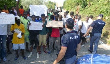 protesta-profughi-costagrande