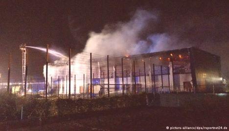 germania-fuoco-centro-immigrati