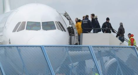 State-wide collective deportation from Baden Airport