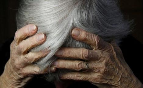 Risultati immagini per suicidio anziani