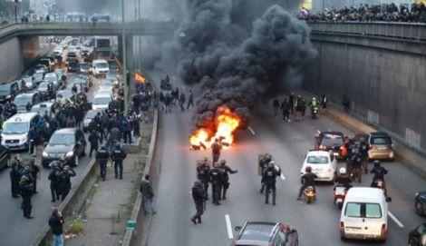 proteste-parigi-francia