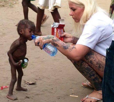 foto facebook  DINNødhjælp - deres overlevelse