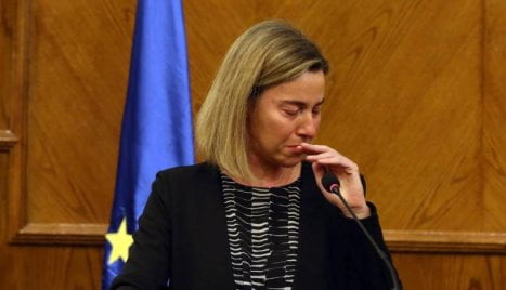 mogherini-piange