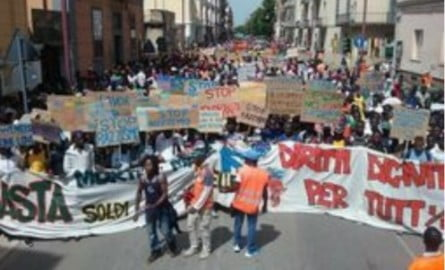 protesta-immigrati-caserta