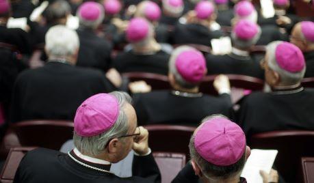 vescovi contro i muri