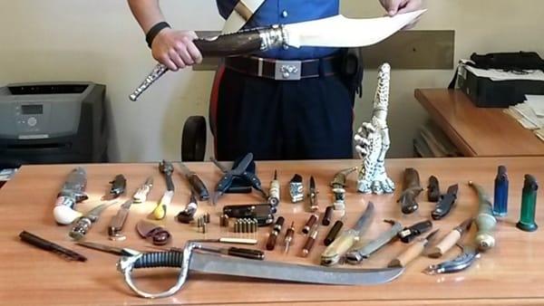 coltelli-Carabinieri