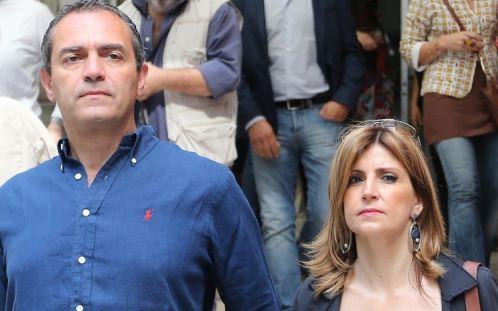 De Magistris e moglie Napoli