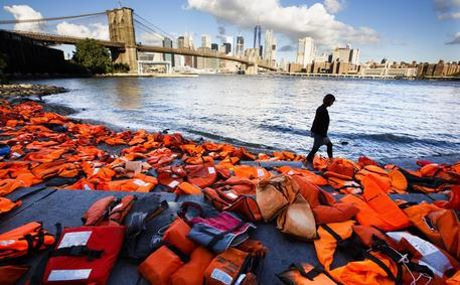 salvagenti migranti