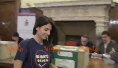 Roma, Raggi: lavoriamo ad accoglienza migranti