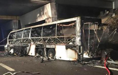 Bus_ungherese_fiamme