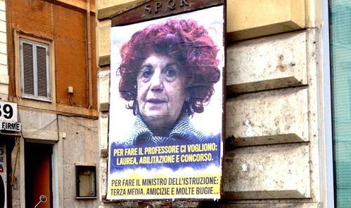 Roma: manifesti anonimi contro il ministro Valeria Fedeli