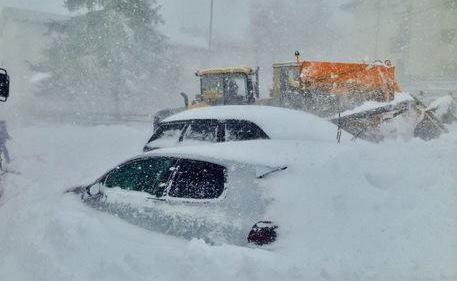 Meteo: SUPER NEVE in Abruzzo, è emergenza!