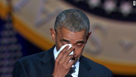 obama-finge-piangere