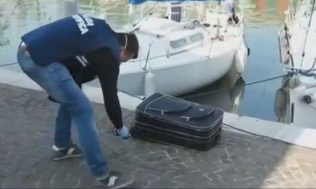 Macabro a Rimini, trovato cadavere donna in una valigia