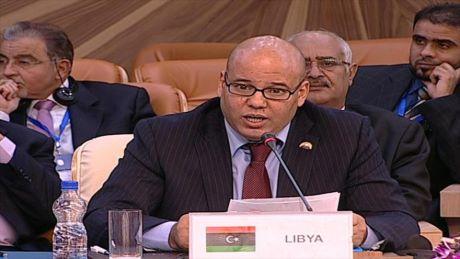 Il generale libico Haftar ordina: 'Bombardare navi italiane'