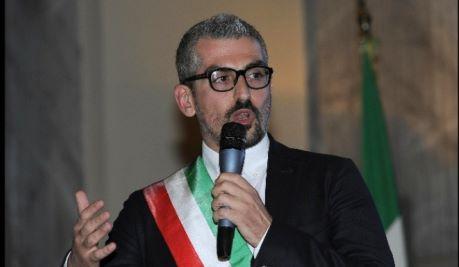 Favori sessuali per fondi, chiesta archiviazione sindaco Mantova