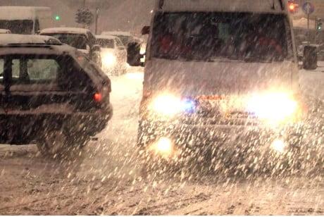 Sestriere sepolto da neve, donna muore sull'ambulanza bloccata