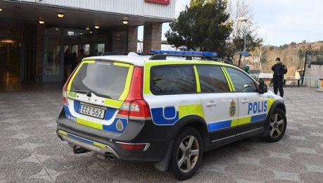 Svezia, guerra tra gang: una pallottola vagante uccide una dodicenne
