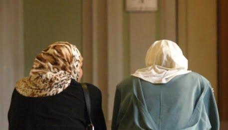 Bologna, praticante avvocato deve lasciare l'aula del Tar perché indossa il velo