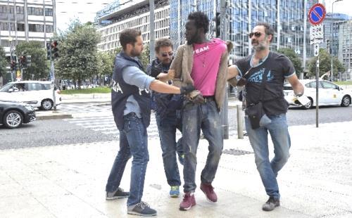Milano: viaggiatore borseggiato, arrestato 19enne della Guinea - Imola Oggi