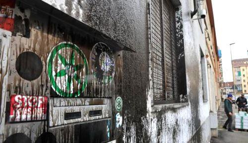 Imbrattate vetrine sede della Lega nel Bergamasco | Imola Oggi
