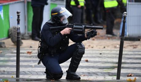Tensione in Francia alla vigilia della manifestazione dei gilet gialli