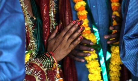 India si sposano senza permesso delle famiglie bruciati for Permesso di soggiorno dopo matrimonio