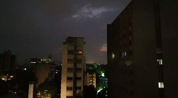 Il blackout in Venezuela ha provocato morti e disagi