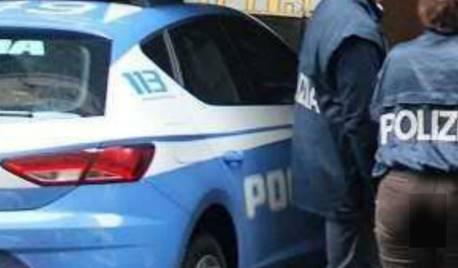 polizia arresto traffico di esseri umani