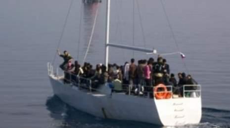 migranti barca a vela