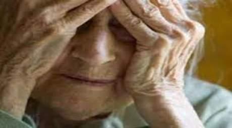 90enne senza cibo e senza soldi