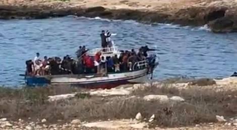 lampedusa sbarcati altri 70 migranti